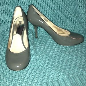 Grey Patent Leather Michael Kors Pumps *SEE DESCR*